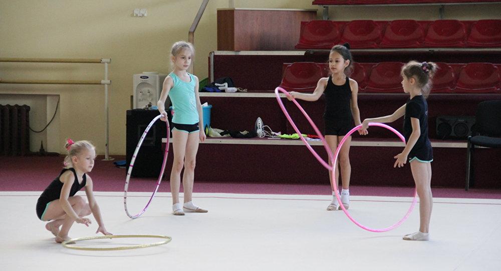Трэніроўка ў школе гімнастыкі