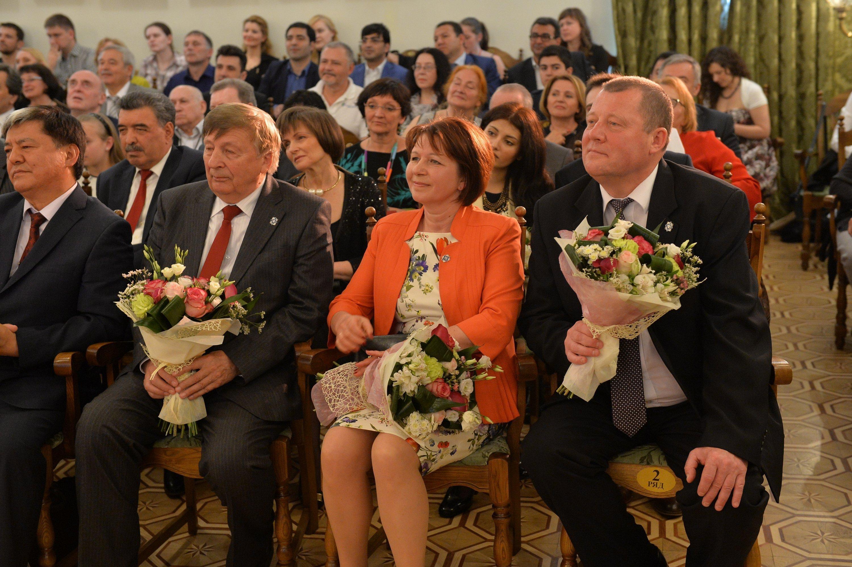 Белорусские лауреаты Владимир Решетников, Елена Спиридович, Владимир Титок (слева направо)