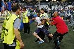 Задержание болельщика на матче Россия - Англия