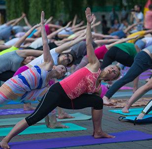 Беларусь присоединилась к Международному празднику йоги, который во всем мире отмечается с 2014 года