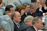 Павел Каллаур (в центре) на пресс-конференции Лукашенко 29 января 2015 года