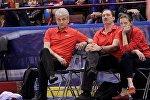 Тренерский штаб женской сборной Беларуси по баскетболу во главе с Анатолием Буяльским (справа)