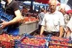 Клубника на Комаровском рынке в Минске
