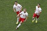 Якуб Блащиковский после гола в ворота Украины