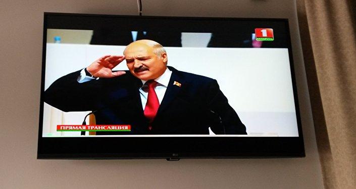 Лукашенко пообещал достроить АЭС невзирая накритику