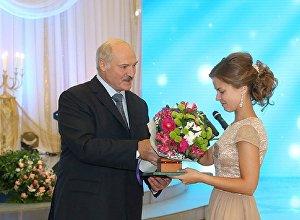 Президент Беларуси Александр Лукашенко на Республиканском балу выпускников