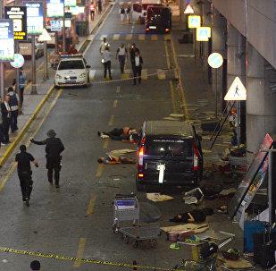 Аэропорт Турции Ататюрк в Стамбуле после взрыва