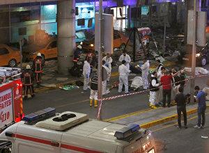 Судмедэксперты работают в крупнейшем аэропорту Турции после взрывов