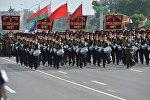 Воспитанники Суворовского училища на параде 3 июля