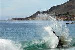Волны в море, архивное фото