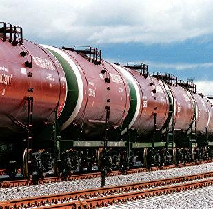 Цыстэрны з нафтай