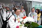 Юных белорусских спортсменов встретили с овациями. Кадры из аэропорта