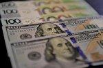 Доллары и белорусские рубли
