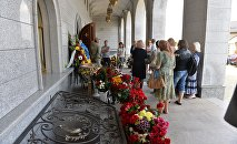 В Всехсвятском храме Минска проходит траурная панихида по Павлу Шеремету