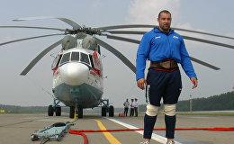 Сдвинуть вертолет: как винтокрылая машина поддалась белорусскому силачу