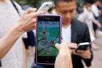 Игра Pokemon GO на смартфоне