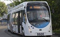 Электробус производства Белкоммунмаша на улицах Москвы