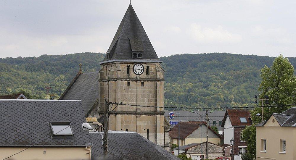 Спецназ расстрелял террористов, захвативших воФранции церковь путин