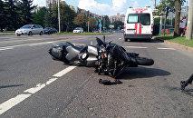 Мотоцикл, под который попала женщина в Минске