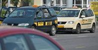 Такси на улицах Минска, архивное фото