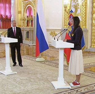 СПУТНИК_Проводы олимпийцев в Рио-де-Жанейро: напутствие Путина и слезы Исинбаевой