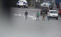 Ситуация на улице Хоренаци, у территории захваченного здания полка ППС