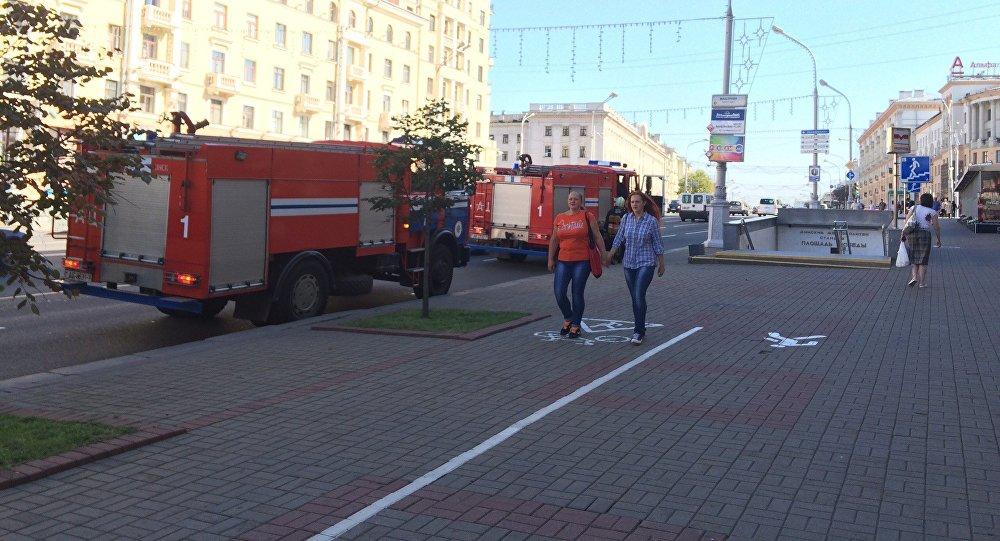Настанцию метро «Площадь Победы» вызывали спасателей из-за запаха дыма