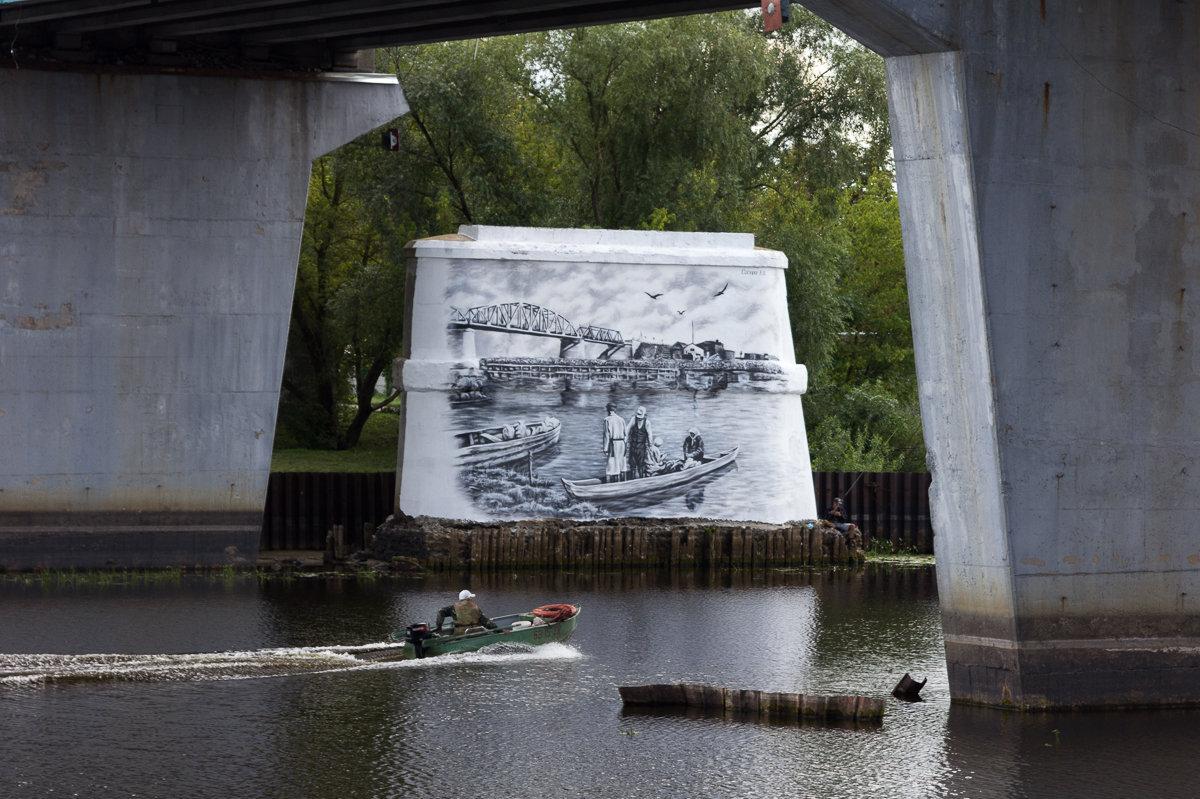 Сюжеты для исторических муралов Евгений Сосюра переносил со старых фотографий