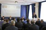 Владимир Улахович выступает на белорусско-румынском бизнес-форуме