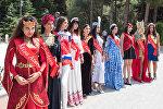 Участницы конкурса Miss Union-2016 возложили цветы к могиле Гейдара Алиева