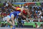 Финальный поединок по греко-римской борьбе на Играх-2016 между россиянином и украинцем