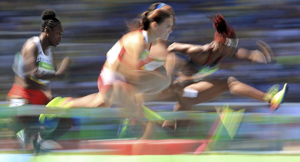 Алина Талай вышла вполуфинал состязаний побегу сбарьерами
