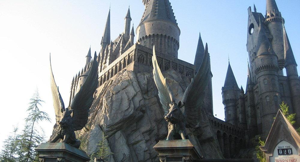Джоан Роулинг выпустит три новых книги омире Гарри Поттера
