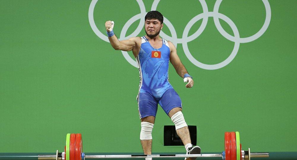 Иззат Артыков неприменял стрихнин— Федерация тяжелой атлетики