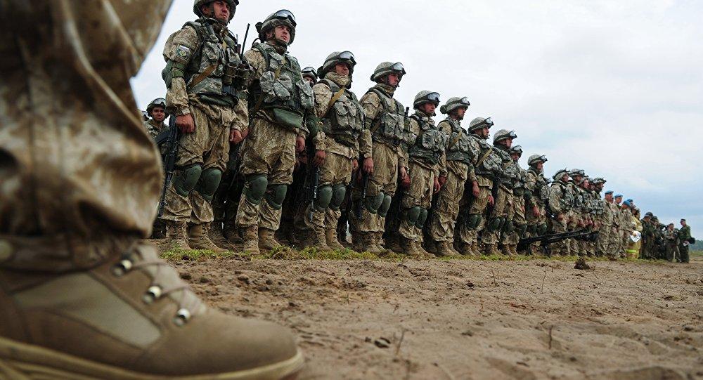 Солдаты НАТО, сдавайтесь! —звучало научениях ОДКБ изгромкоговорителя