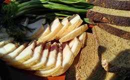 Сала з хлебам