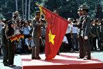Церемония награждения воинских вьетнамских частей