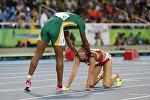 Белорусская легкоатлетка Марина Арзамасова (справа) и южноафриканка Кастер Семеня