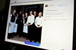 Минчане фотографируются со Стивеном Сигалом
