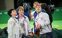 Белорусский батутист Владислав Гончаров и его тренер