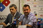 Председатель ФХРБ Игорь Рачковский (справа)