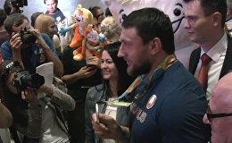 Последний призер Игр-2016 вернулся в Беларусь Серебряный призер Олимпийских Игр-2016 в метании молота Иван Тихон вернулся в Беларусь.