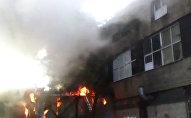 Кадры сильного пожара в Москве и комментарий спасателей
