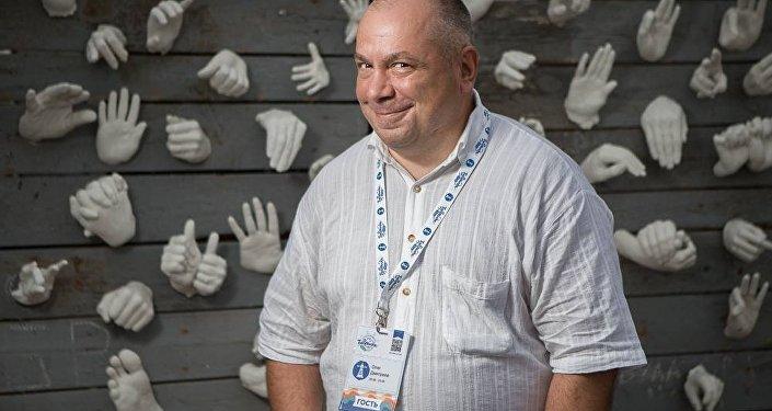 Болельщик с 40-летним стажем Олег Дмитриев