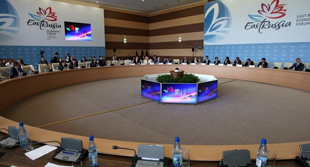 Первый день ВЭФ принес Российской Федерации инвестиции на1 трлн руб.