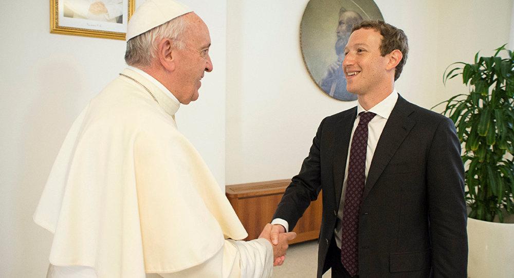 Марк Цукерберг обнародовал фотокарточку встречи с отцом Римским