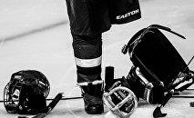 Игрок сборной России по следж-хоккею Василий Варлаков