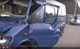 МЧС опубликовало видео с пострадавшей на М4 маршруткой