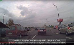 Видеофакт: девушка в нижнем белье бросалась под машины на МКАД