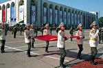 Поднятие первого флага независимого Кыргызстана, архивное фото